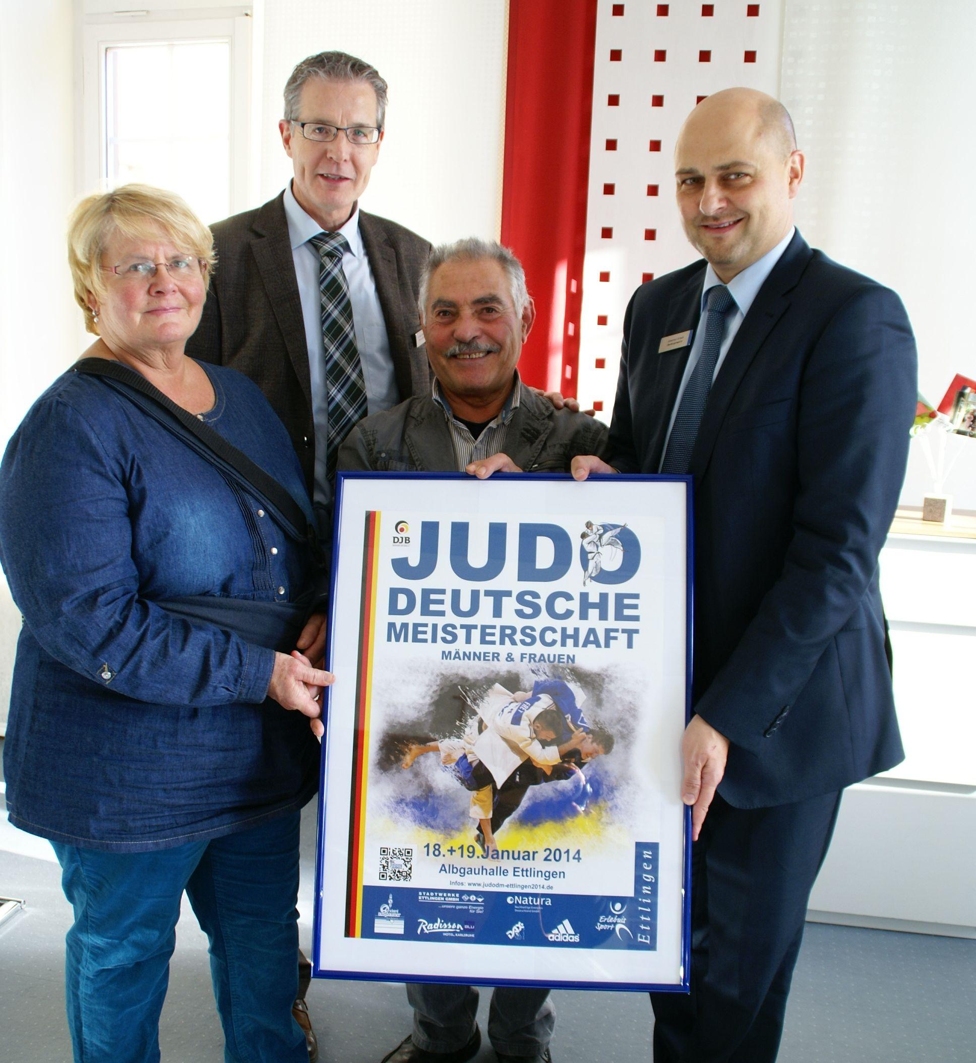 Deutsche Meisterschaft F + M  in Ettlingen: Plakatübergabe