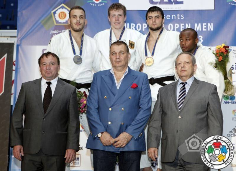 Dino Pfeiffer holt internationale Medaille in Bukarest